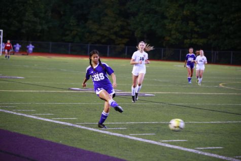 Issaquah Girls' Varsity Shuts Out Lake Stevens 3-0