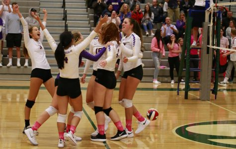 Varsity Volleyball Beats Skyline with a Clean Sweep