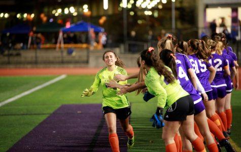 Issaquah Girls' Varsity Shuts Out Lake Stevens 3-0