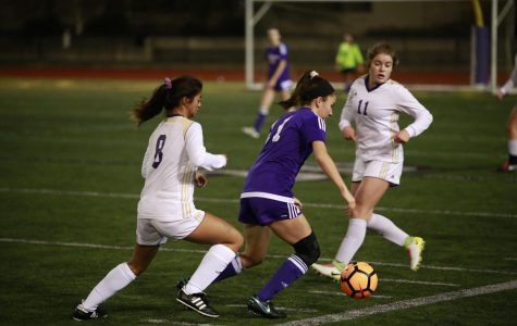 Issaquah Girls Edge Past Puyallup in the State Quarterfinals