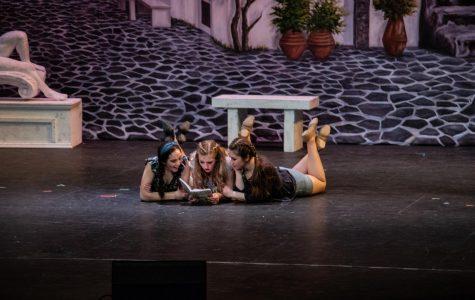 """""""Mamma Mia"""" Graces the IHS Theatre"""