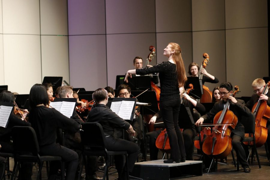 SEASON+OPENER%3A+Leah+Weitzsacker+conducts+Chamber+Strings+on+Oct.+30.