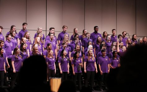 Candlelight Choir Concert Spreads Holiday Spirits